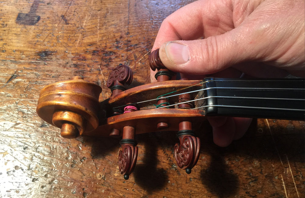 Violinmaking: Appropriate Pressure for Tuning Pegs