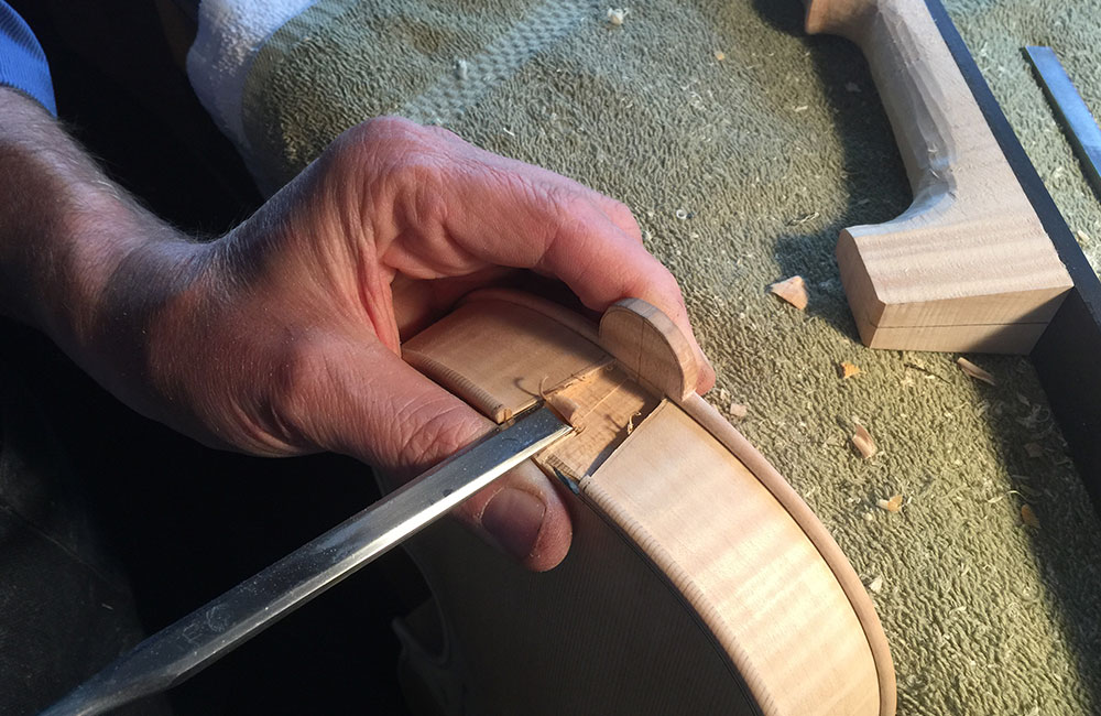 Violinmaking: Measuring and Fitting the Neck Piece