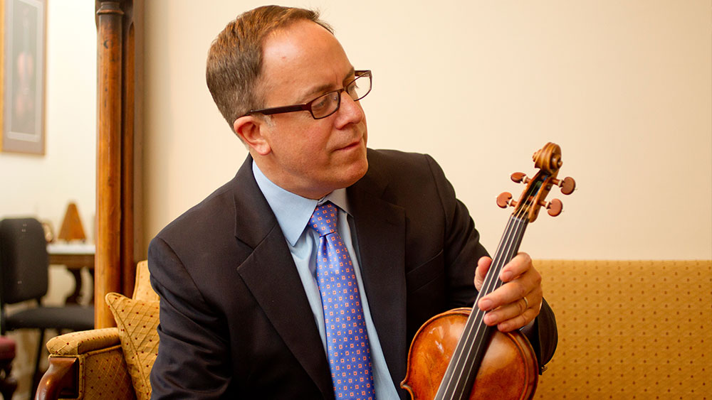 Distinguished Violin Maker Christopher Reuning to Offer Appraisals, Certificates in Los Angeles
