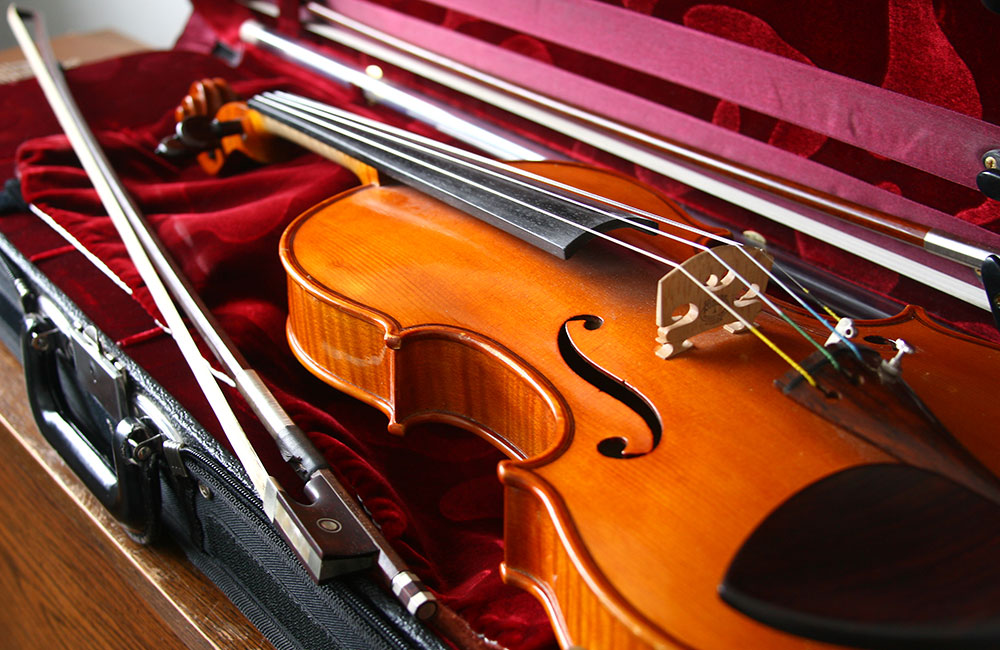 "What is a ""Student Violin Outfit"" and What Are Its Benefits?"