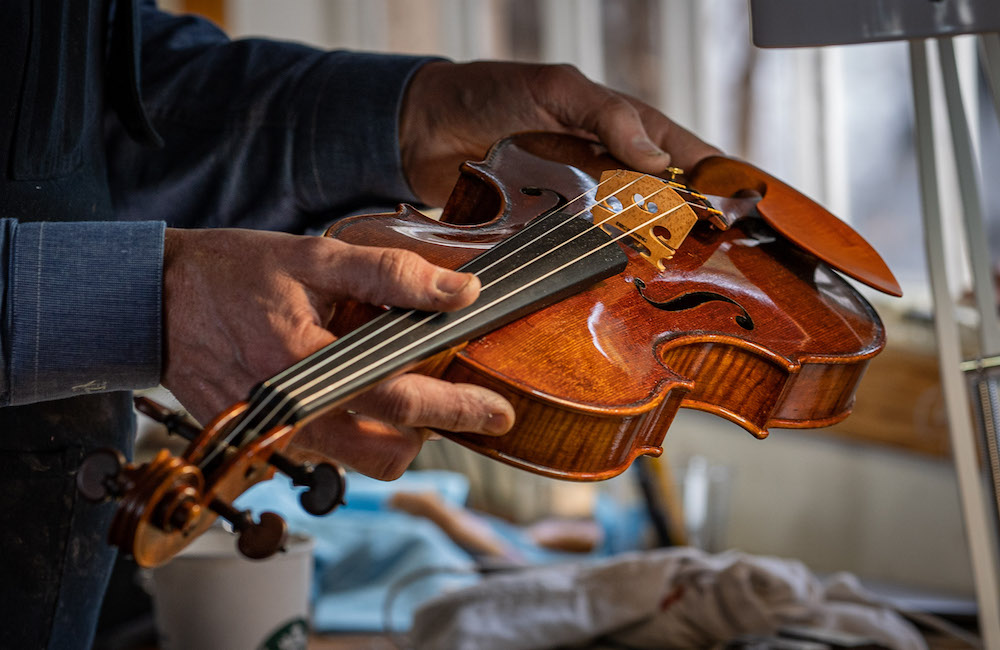 Fine Musical Instrument Appraisal: Factors to Consider