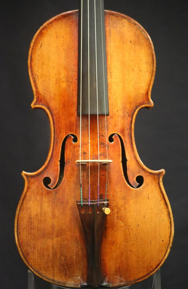 fine violins for sale italian violins carlo michel angelo bergonzi violin for sale. Black Bedroom Furniture Sets. Home Design Ideas